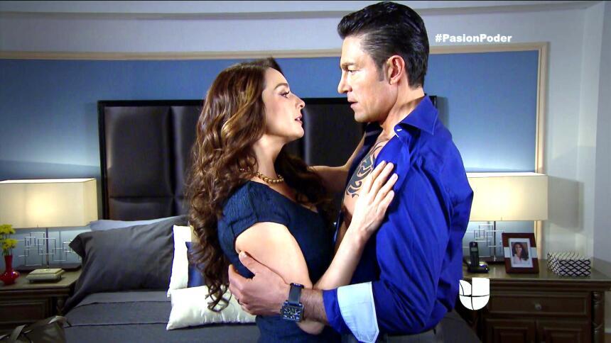 ¡Arturo le jugará sucio a Eladio para recuperar a Julia! FA50530F5D98492...