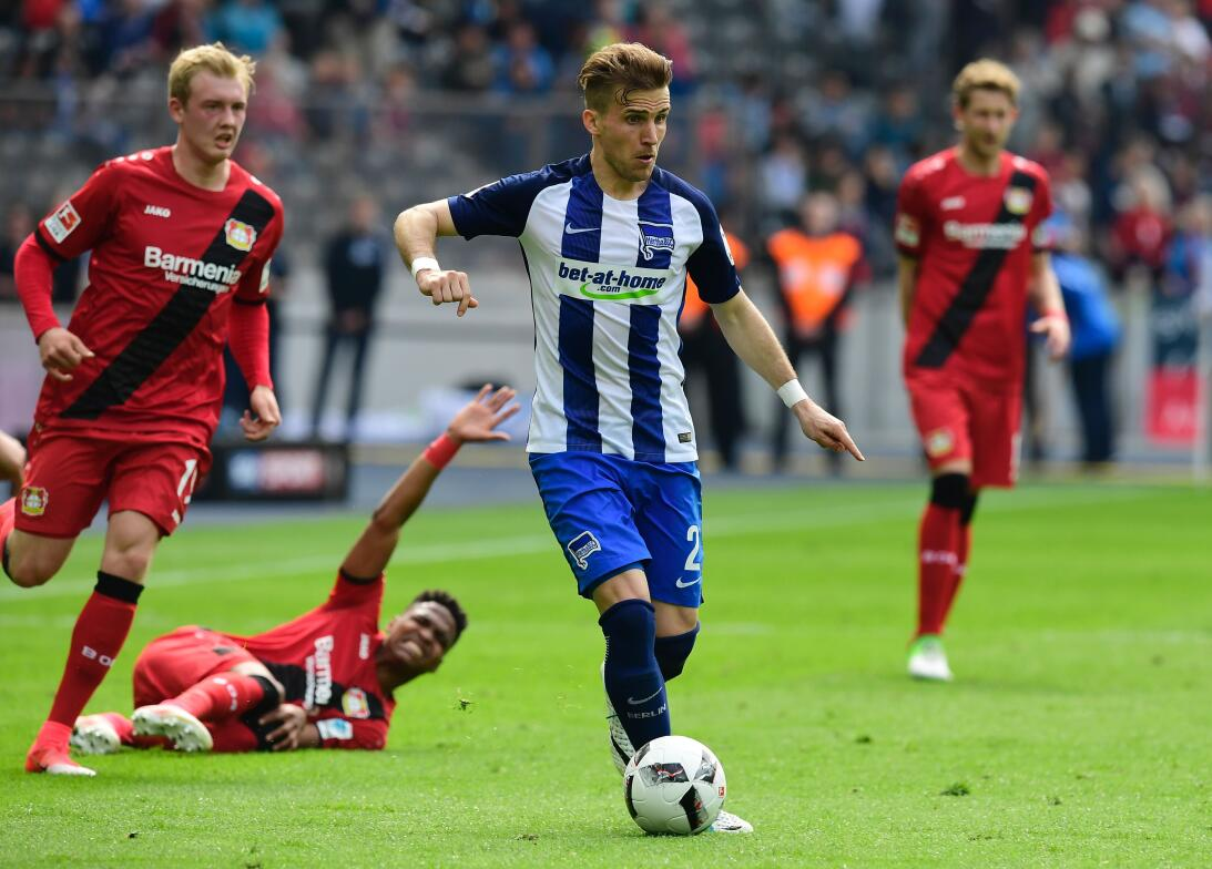 'Chicharito' despide su temporada en la Bundesliga con gol en la goleada...
