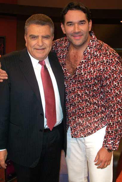 El galán de las telenovelas, Eduardo Santamarina llegó con su buen humor...