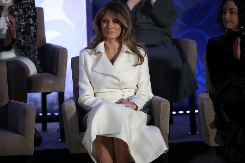 Esto cuestan los looks llevados por Melania Trump como primera dama  Get...
