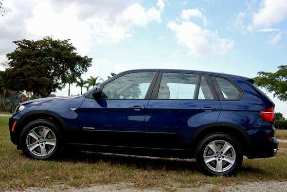 La BMW X5 se renovó en el 2011 para seguir siendo una de las SUV...