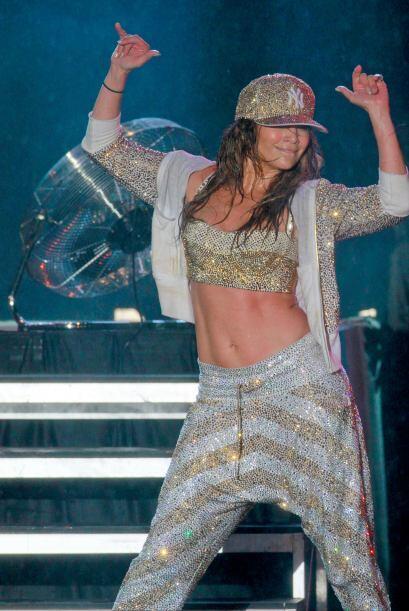 Bailar, saltar y hacer toda clase de piruetas durante sus shows segurame...