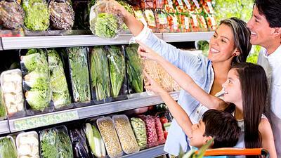 El programa SNAP permite a familias de escasos recursos acceder a comida...