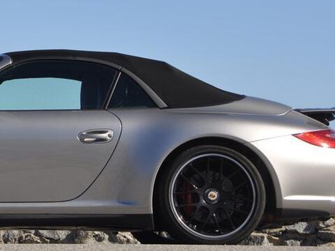 El 911 Carrera GTS equipa sistema de tracción trasera y una carro...