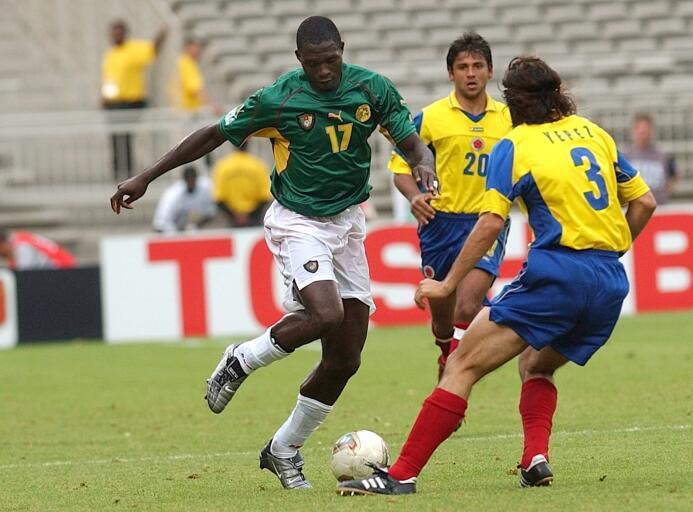 El camerunés Marc-Vivien Foé falleció en un partido ante Colombia por la...