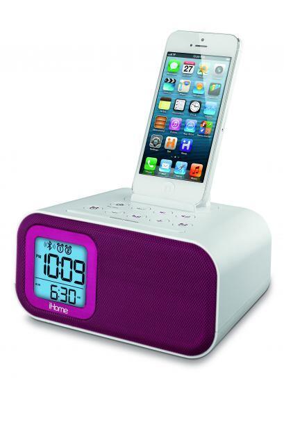 Con un diseño más compacto, el despertador clásico de iHome también es u...