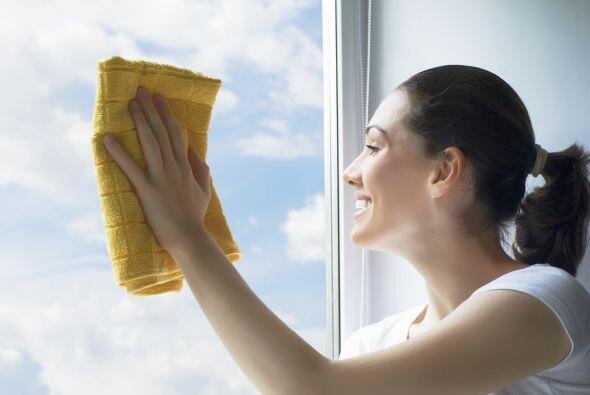 Lo mejor para tus ventanas. El vinagre blanco puro es ideal para limpiar...