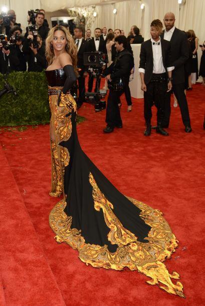Por el cuero de mujer que es -y que llevaba en el 'top'- Beyoncé robó cá...