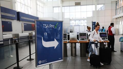 Un puesto de control en el aeropuerto LaGuardia de Nueva York.