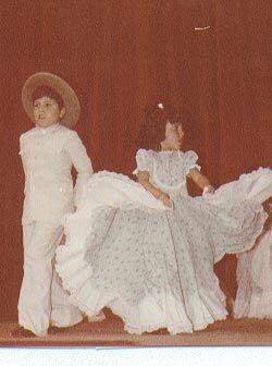 Un recuerdo inolvidable. Raúl muy concentrado en los paso del baile vene...