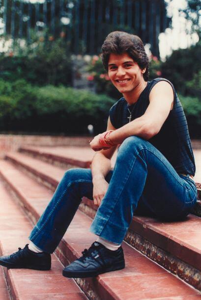 """Este guapo muchacho nos enamoró en """"Quinceañera""""."""