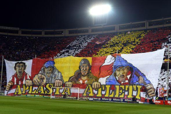 La afición del 'Atleti' se preparó para una gran fiesta de fútbol.