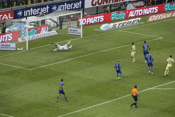 Con la superioridad numérica, América encontró el tercer gol que selló l...