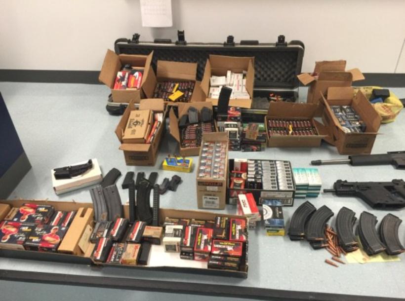 El equipo y la droga quedó a disposición de la Policía de Los Ángeles.