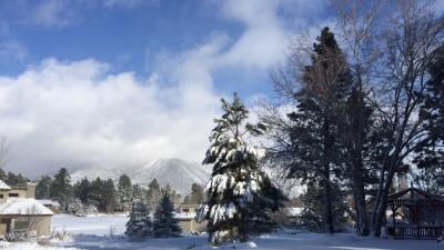 Nevada causa cierre de escuelas en el norte. Viene más lluvia al Valle....