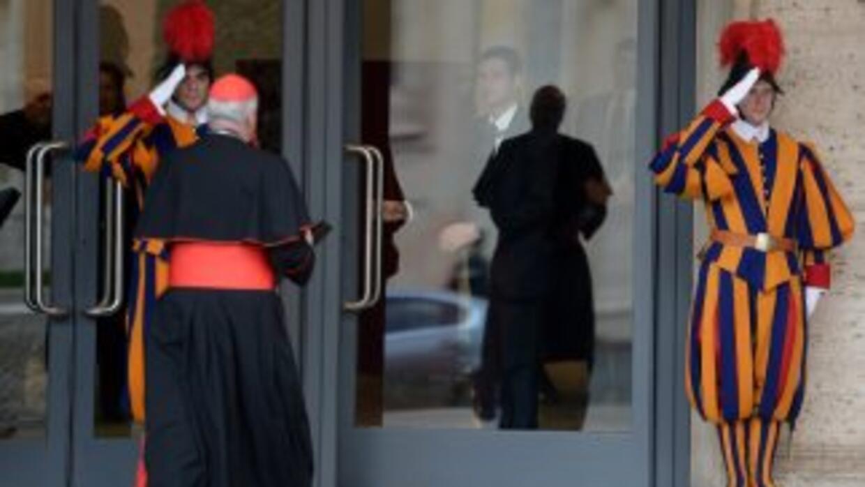 Cardenales se alistan para el Cónclave.