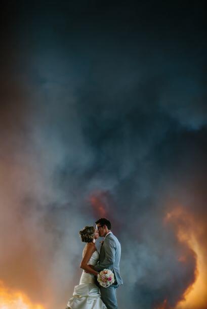 La pareja encantada decidió cooperar y las fotografías quedaron increíbles.