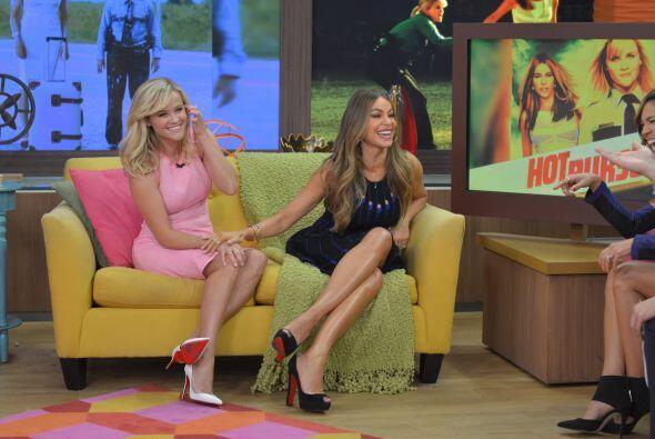 Nos encantó escuchar a Reese hablando en español, ¡la bella colombiana e...