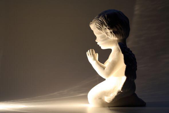 Dios creó a los ángeles para que nos guiaran, acompañaran y protegieran....