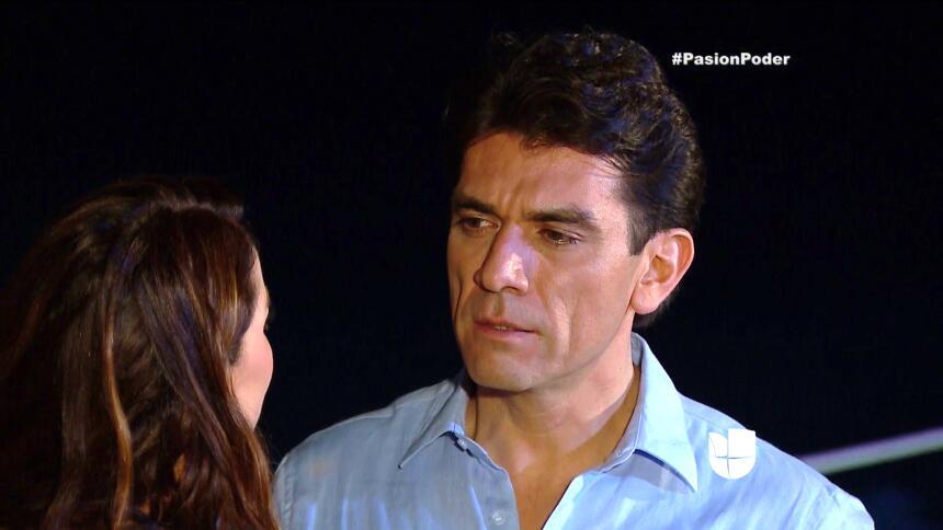 ¡Julia le rompió el corazón a Arturo! D04F17A602CF4BB08DC7281E32849E88.jpg