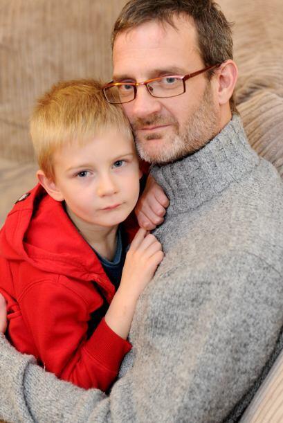 """Derek Nash, padre de Alex, relató que """"la madre del ni&ntild..."""