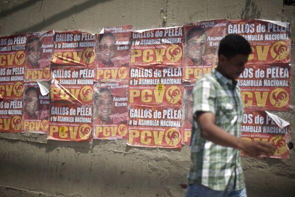 El propio presidente venezolano, quien ha encabezado decenas de caravana...