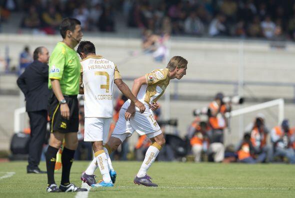 Gran ovación se llevó Leandro Augusto cuando ingresó a la cancha, en su...