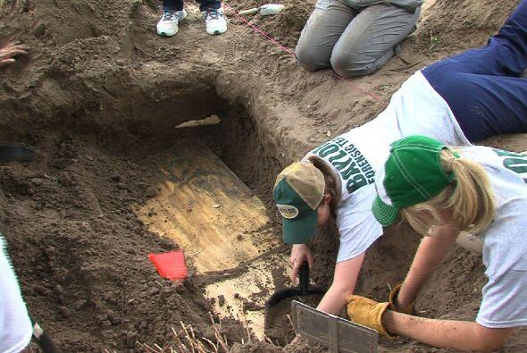 Un equipo de las universidades Baylor e Indianápolis exhumó los cuerpos...