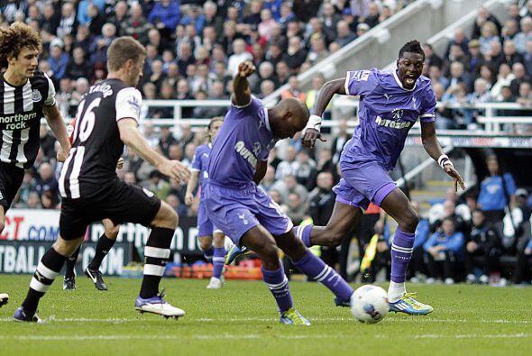 Tottenham seguía causando peligro en la meta rival.