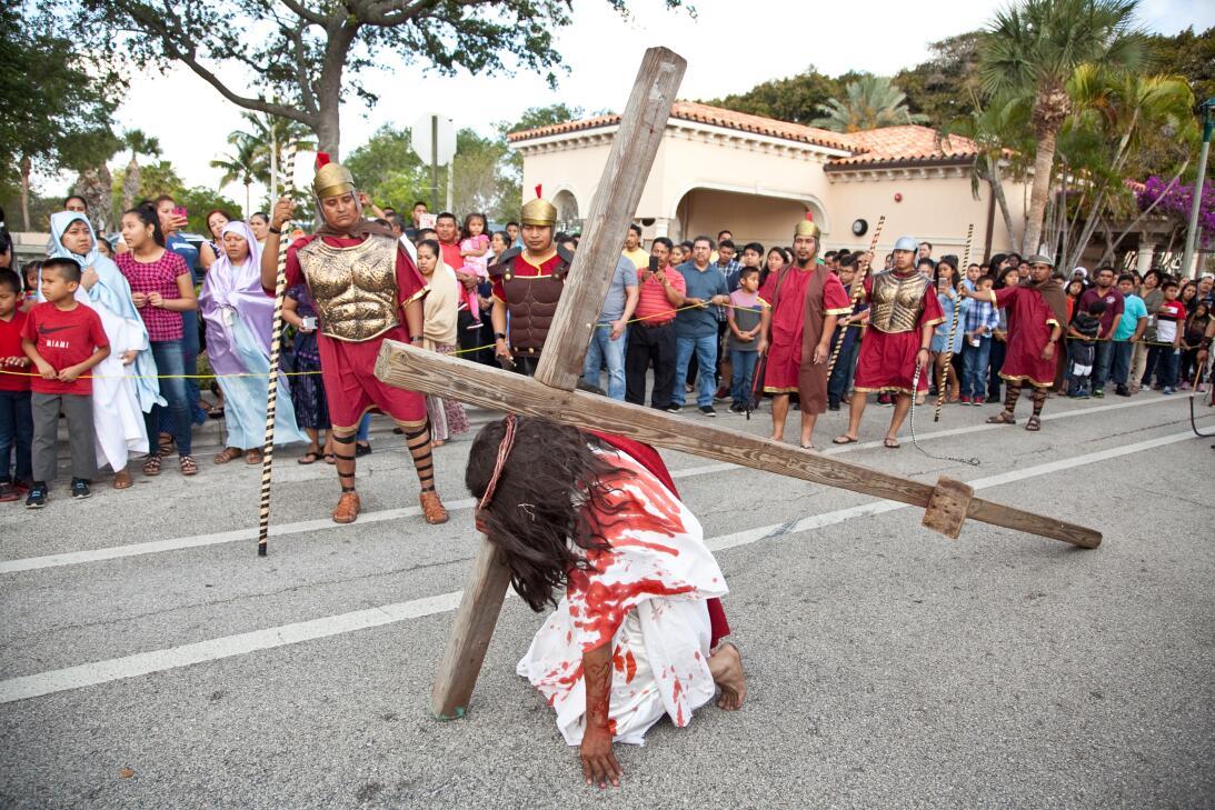 Los católicos guatemaltecos de la ciudad de Lake Worth, en la costa este...