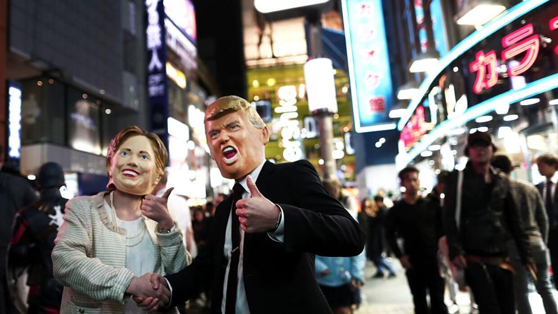 En fotos: Los 21 momentos hispanos de la campaña presidencial Halloween8...