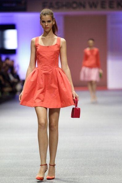 ¡Un vestido en este corte 'A' es otra pieza con la que puedes subir algu...