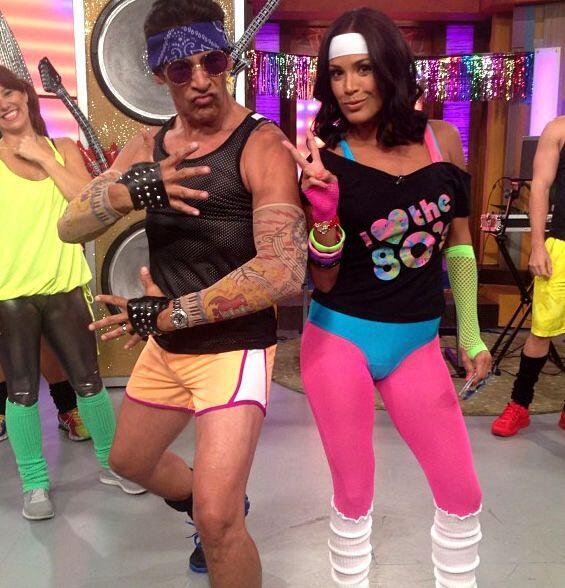 Y como era día de bailar, Johnny y Karla retrocedieron en el tiempo para...