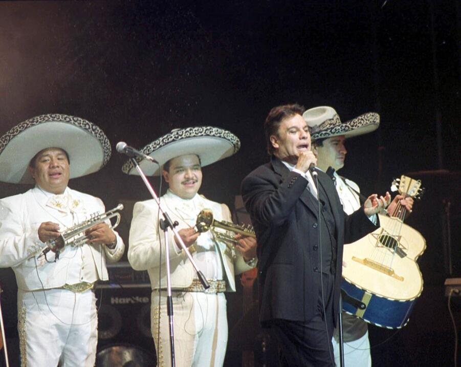 1999 The Mexican singer Juan Gabriel sings 04 December, 1999 in his solo...