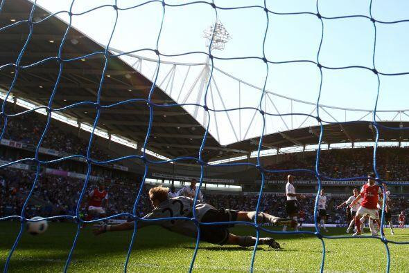 El balón alcanzó el fondo de las redes para el empate momentáneo.