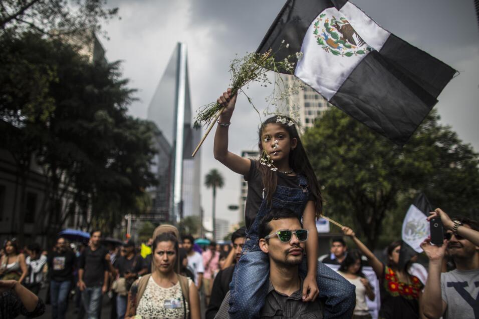 Protesta en Ciudad de México por el asesinato del fotoperiodista Rubén E...