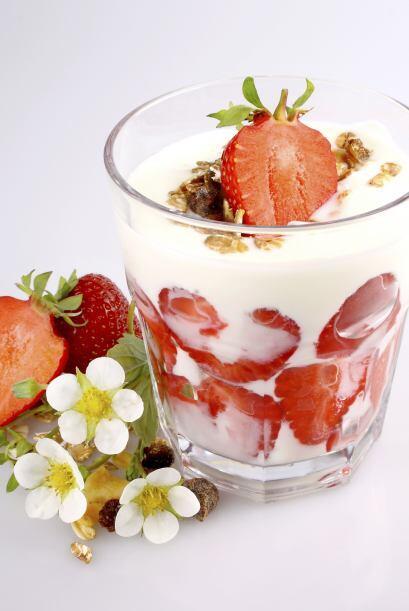 Un yogur con frutas es infalible, no lo puedes dejar de lado. Acompáñalo...