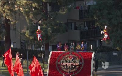 Espectacular inicio 'Desfile de las Rosas 2016'