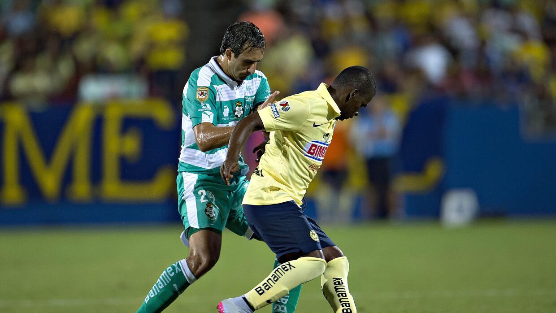 Carlos Izquierdoz.