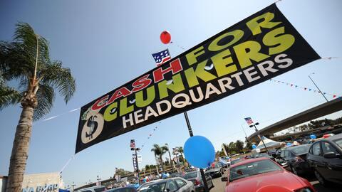 Una empresa de venta de autos en Marina del Rey, California.