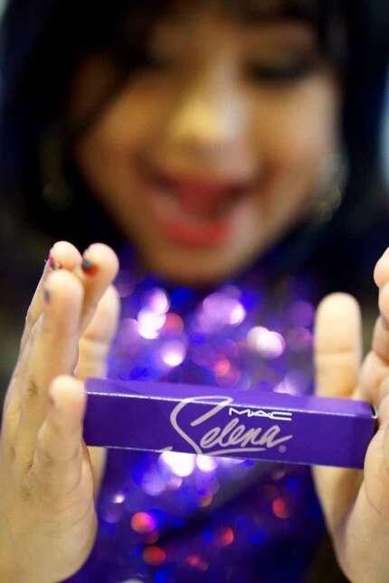 Selena Quintanilla tiene una fan de seis años que celebró su cumpleaños...