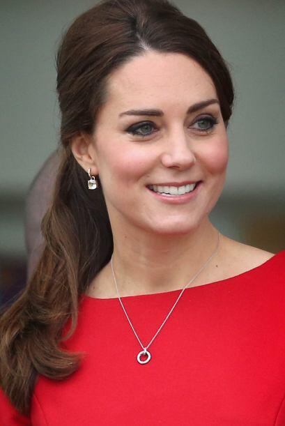 La Duquesa de Cambridge, que muy pronto será madre por segunda vez, no p...
