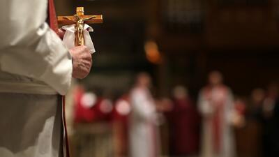 Abren investigación sobre casos de pederastia en la Iglesia Católica de Illinois