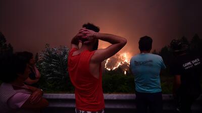 Las imágenes del descomunal incendio forestal que mató a 62 personas en Portugal