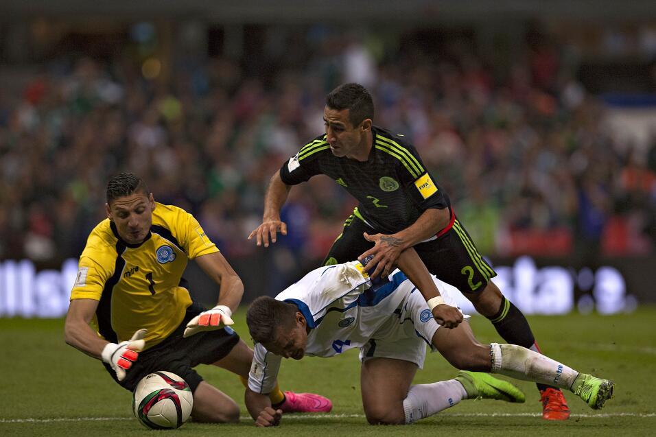 Luis Fuentes (Monterrey) - Defensa