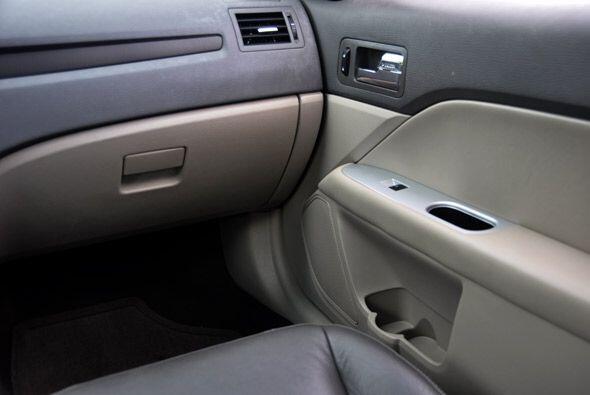 Las formas del interior y los acabados metálicos le dan un toque moderno...