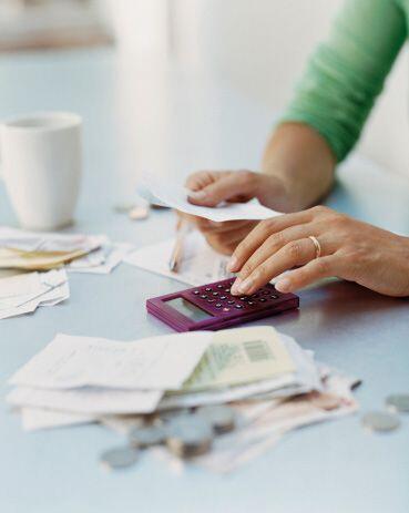 Reduce los cargos de gestión que pueden imponer impuestos a los saldos d...