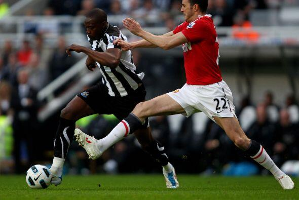El Manchester United, líder de la Liga Premier inglesa, disputó un duelo...