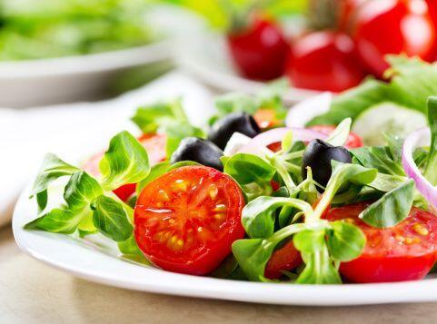 Equilibra las comidas: Si comes de más en una comida, come ligero en la...