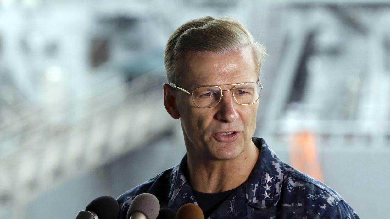 Vicealmirante de la Armada estadounidense, Joseph Aucoin, revelado de su...